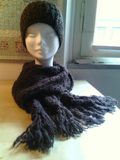 completo lana donna ragazza berretto e sciarpa con frange colore marrone