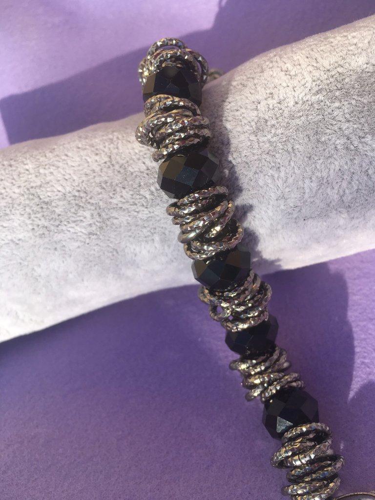 Bracciale in alluminio e cristalli fatto a mano