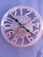 Orologio in resina rosa glitter fatto a mano