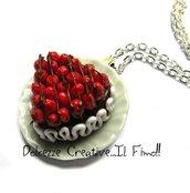 Collana Piatto con torta al cioccolato a forma di cuore con fragole fresche! - miniature kawaii