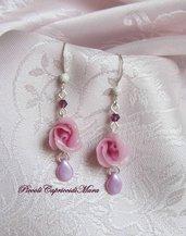 Orecchini con rosa in pasta di mais, cristalli viola, gocce lilla