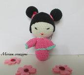 Kokeshi Amigurumi rosa ( portachiavi)