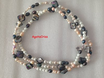 Collana lunga mix  di perle barocche, e madreperla.