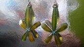 Orecchini pendenti a fiore vetro colore azzurro mare
