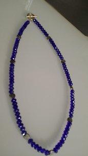 Collana in cristallo blu,inserti di cuoricini, stile vintage - retro'