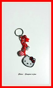 Portachiavi handmade con hello kitty rosso in polyshrink idea regalo per lei