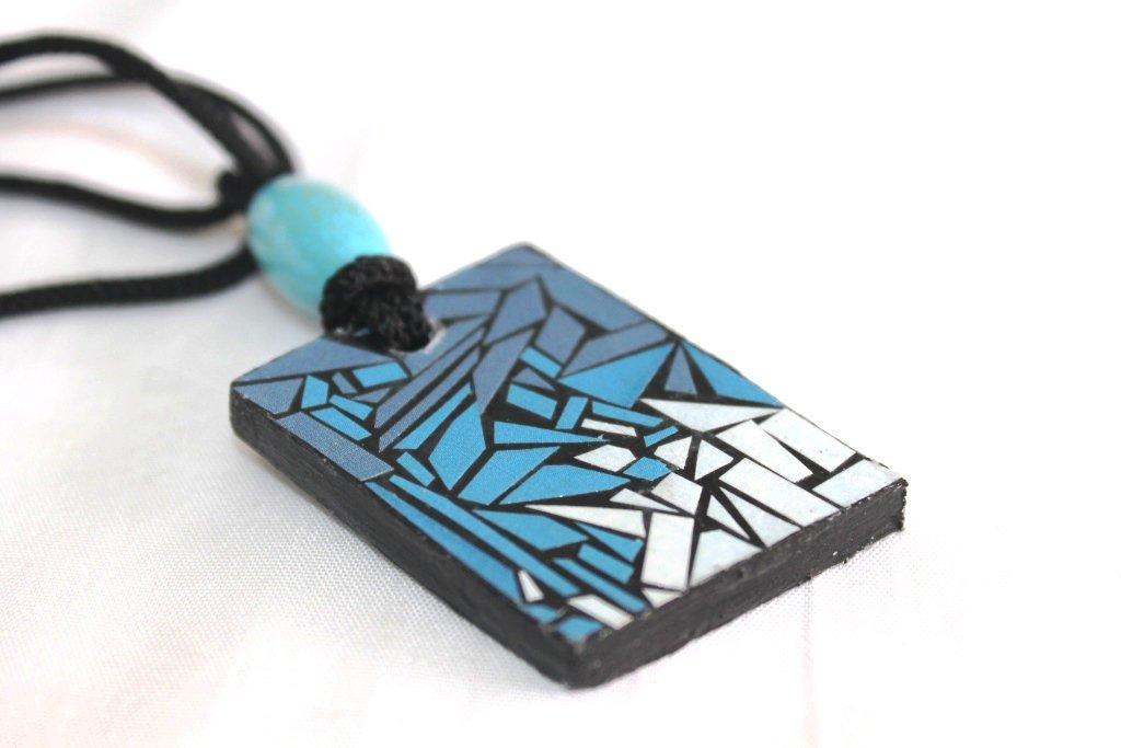 collana con ciondolo in forex nero stile mosaico