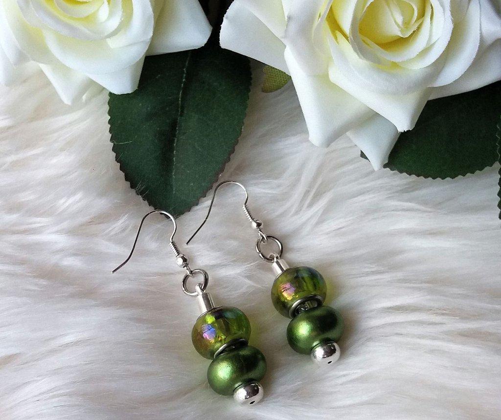 Orecchini con perle a foro largo