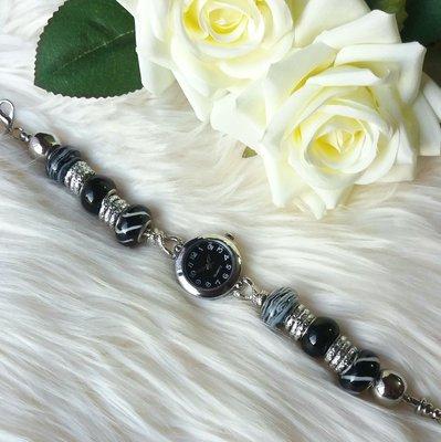 Orologio con perle a foro largo nero