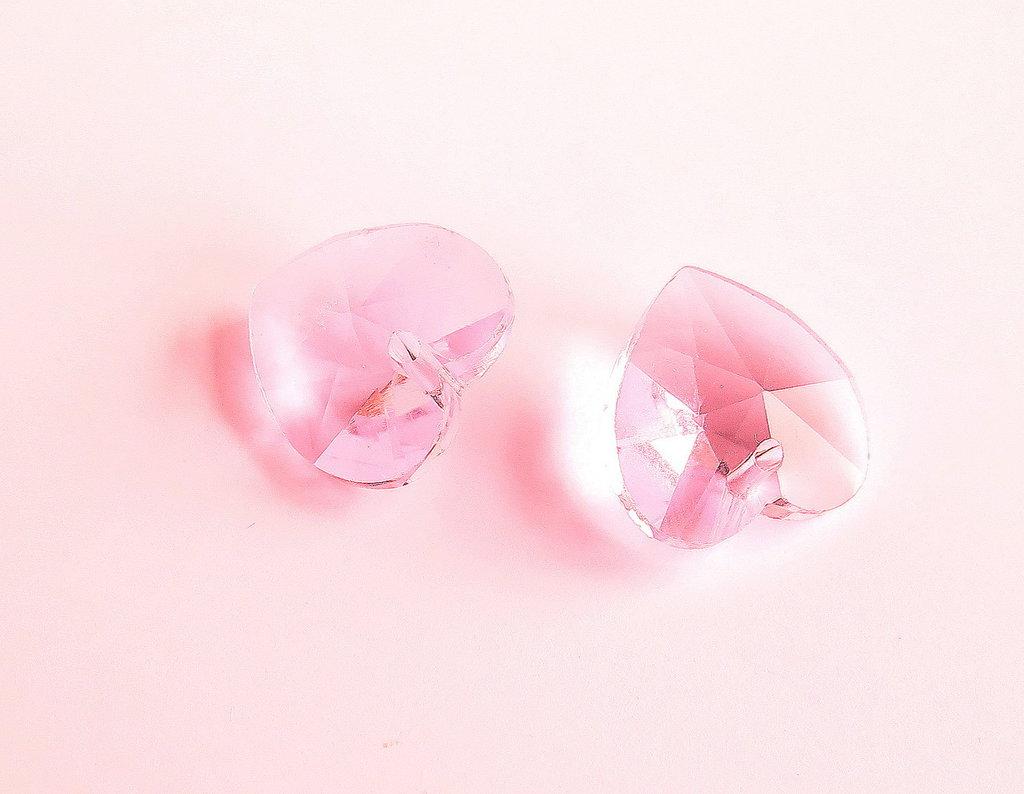Pendente sfaccettato a forma di cuore rosa  CIO52