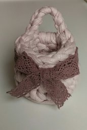 Piccoli cestini da appendere rosa antico realizzato ad uncinetto con T Shirt