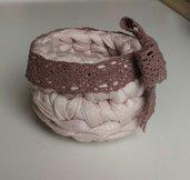 Piccoli cestini fettuccia rosa antico realizzati ad uncinetto