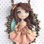 Collana Damina con rose  su cammeo doll fimo necklace bambolina clay Kawaii