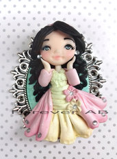 Collana Damina bambolina su cammeo doll fimo necklace idea regalo clay Kawaii