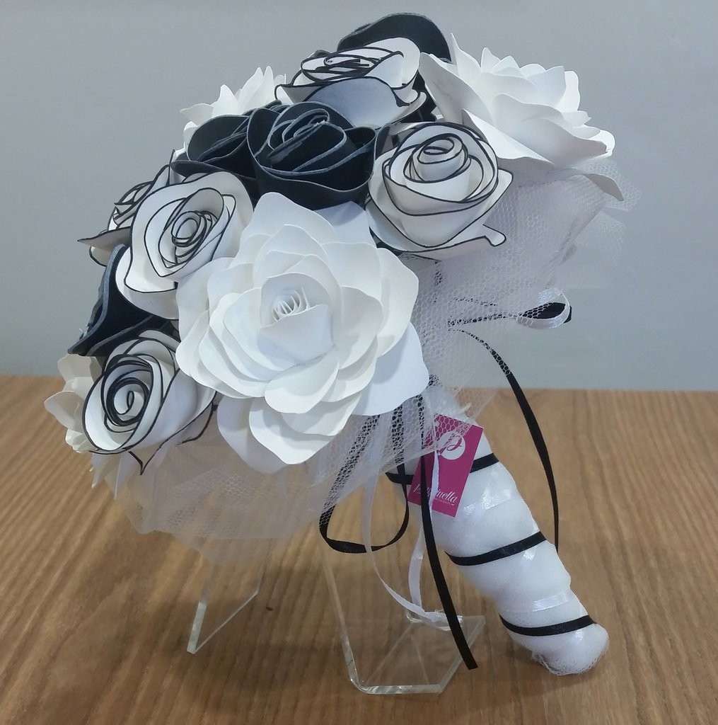 Bouquet Sposa Nero.Bouquet Fiori Carta Bianco Nero