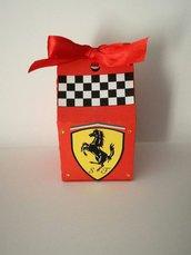 Scatola scatolina bomboniera Ferrari completa confetti