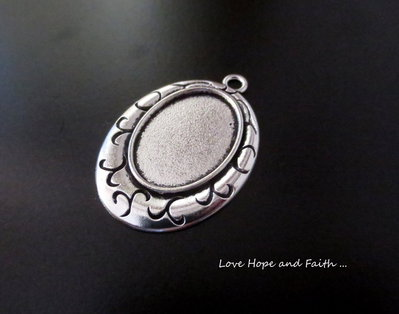 NOVITA'! Base cabochon color argento (42x30mm) (cod.441BJI)