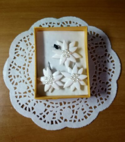 Parure Stelle Alpine bianche con perle
