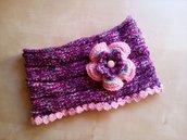 scaldacollo in lana per bambina a uncinetto fatto a mano con grande fiore rosa azzurro fucsia - idea regalo ragazza