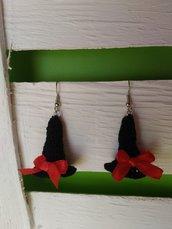 Orecchini uncinetto amigurumi cappello strega  halloween nero rosso