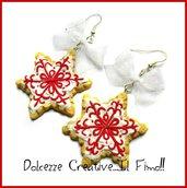 Natale in Dolcezze - Orecchini con biscotti fiocchi di neve glassati e decorati - con fiocco - idea regalo natale