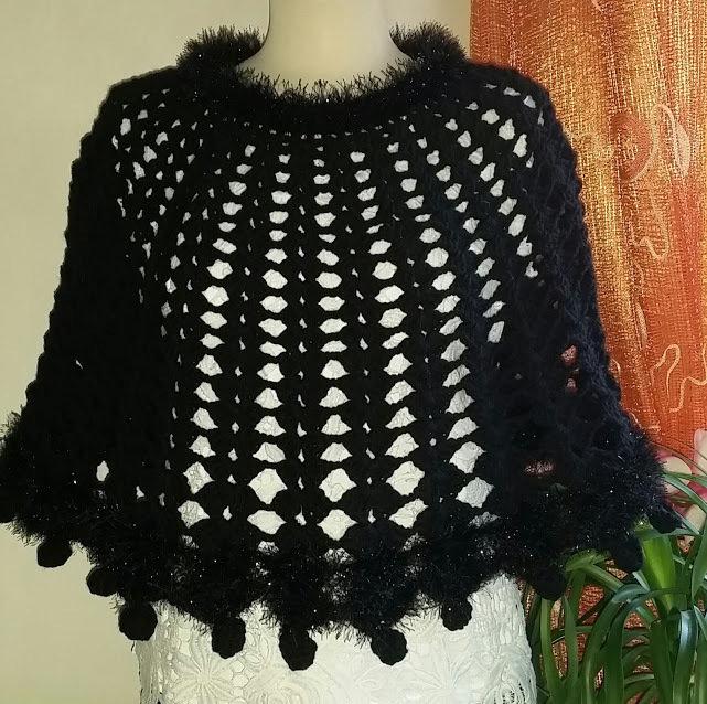 Amato mantella/scialle di lana all'uncinetto - Donna - Abbigliamento  KI09