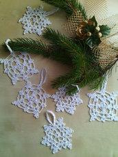 10 addobbi Natale fiocchi di neve a uncinetto in cotone bianco argento oro- chiudi regali pacchetti handmade