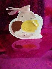 Scatolina porta confetti sposi bacio brillantini cuore matrimonio