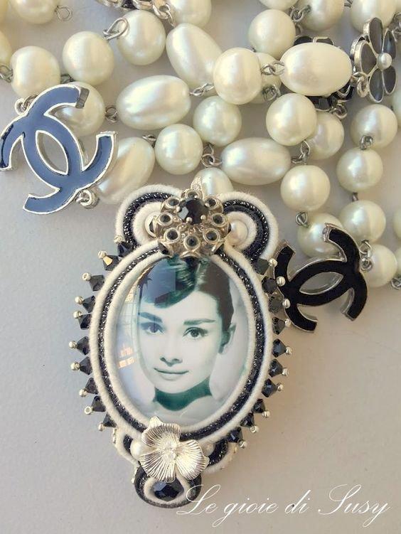Medaglione Audrey Hepburn Tribute