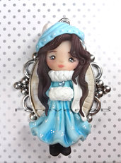 Collana Bambolina inverno su cammeo doll fimo necklace clay Kawaii