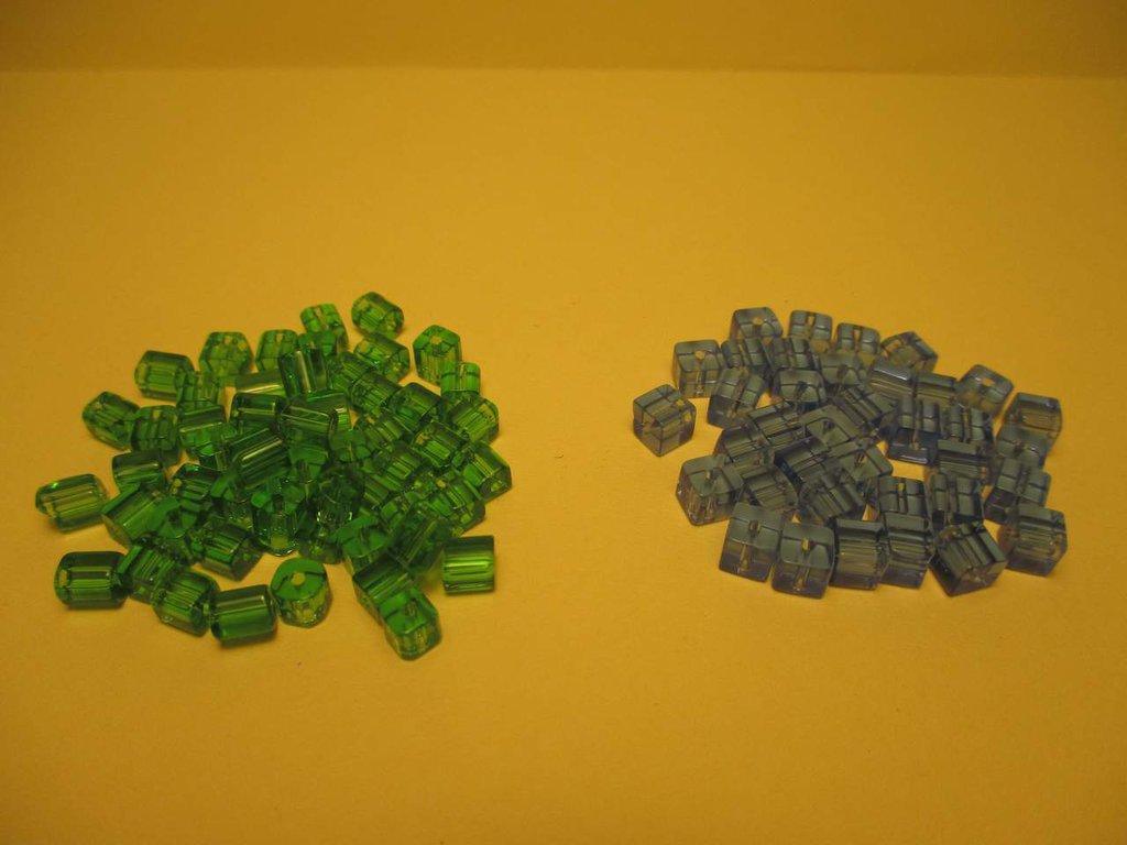 Cubotti 4x4mm azzurri o verdi
