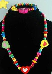 Collanina legno colorata perline e cuoricini per bimba con braccialetto