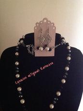 Parure cristalli grigio scuso, nero e perle