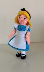 Alice- bambola realizzata a mano