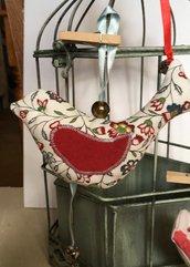 Uccellino di stoffa fantasia rosso imbottito