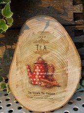 Sottopentola o tagliere per dolcetti o formaggi, in legno naturale,decorato con stampa vintage.