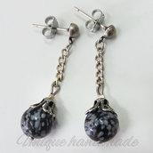 Orecchini con perle maculate