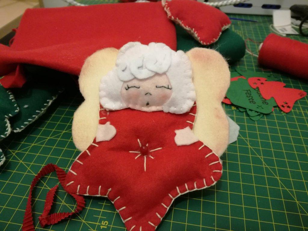 Angioletti natalizi per decorazioni