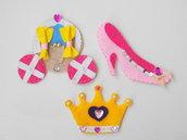 SET 3 pezzi feltro-CENERENTOLA:Carrozza,scarpetta,corona.Decorati con perle,nastri,cuori.Dono-natale bambina,bomboniera.Nastri da appendere