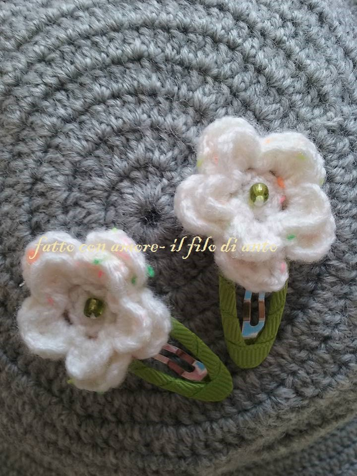 Fermacapelli / fermagli / mollette  bambina con fiore bianco