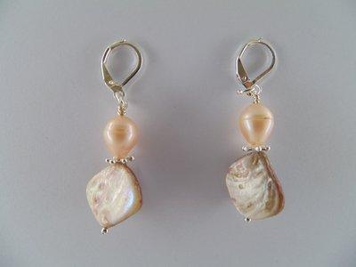 Orecchini con madreperla e perla di fiume