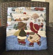 cuscino quillow Sue e Billy che pattinano -  un cuscino con dentro un plaid