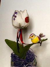 Vasetto con tulipano profumato di stoffa
