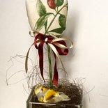 Vaso di vetro con tulipano verde con tre punte
