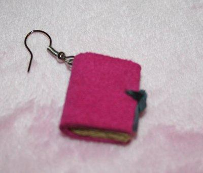 piccoli orecchini libro