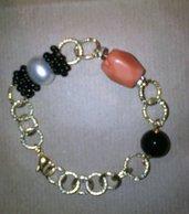 Bracciale Tania con Corallo rosa arancio,perla e onice