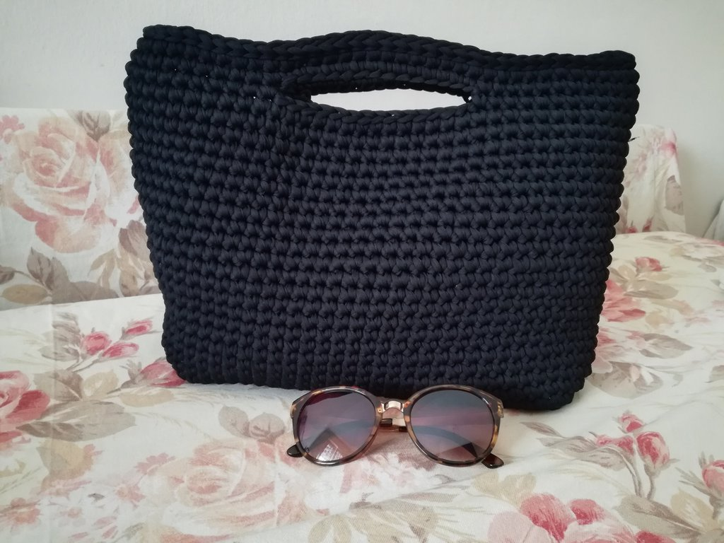 Borsa stile anni 70/80 ad uncinetto, borsa retrò uncinetto, borsa beige, borsa nera, borsa con manici, borsa fatta a mano,