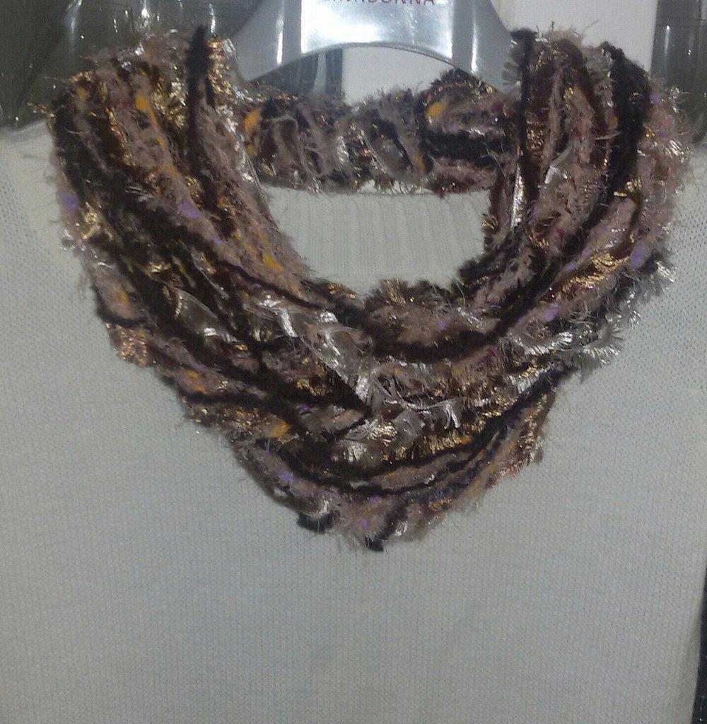 Sciarpa  scaldacollo collana handmade  regalo donna