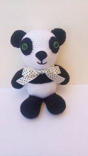 Panda amigurumi realizzato a mano