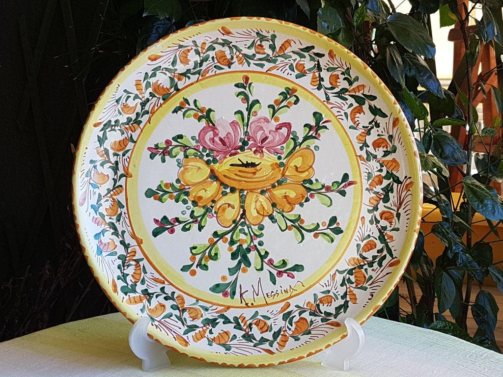 Piatto in ceramica siciliana decorato a mano piatto decorativo da